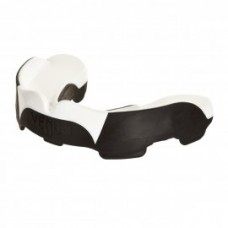 mouthguard_predator_black_white_hd_02_copie.jpg